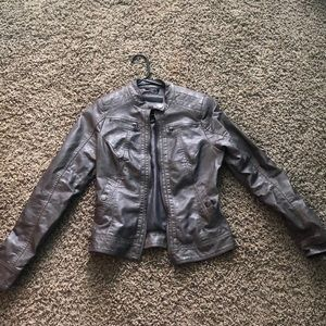 Gray/brown leather jacket